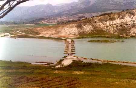 Le pont d'Aiguines, mars 1974