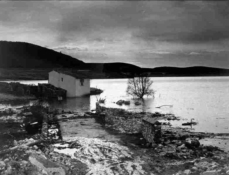 Rising of the water towards R.Signoret's house, feb23, 1974