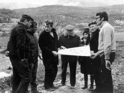 Sur le site du nouveau village, plateau de Bocouenne, 17/02/70