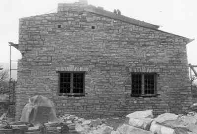 Les Salles, la mairie en construction
