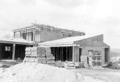 Les Salles, l'école en construction