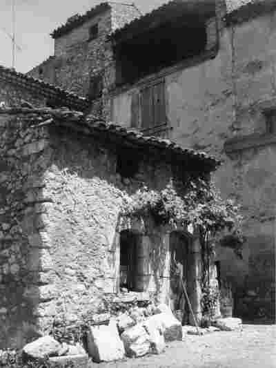 Les Salles, bas du village
