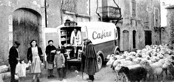 Placette du bas du village, 1953