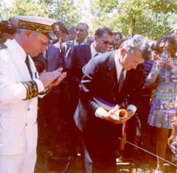 La pose de la première pierre du nouveau village des Salles, 26/07/1970