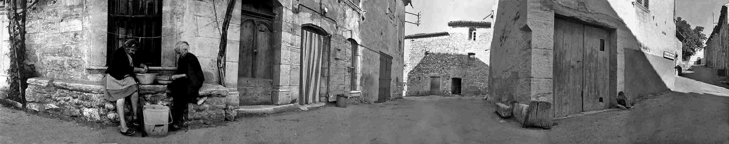 Les Salles, placette du bas du village